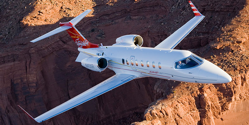 Learjet 40 windows